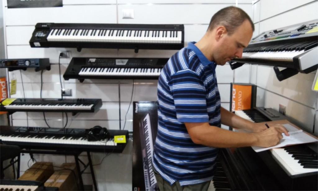 Michele Stefanini scrive la guida all'acquisto di un pianoforte digitale